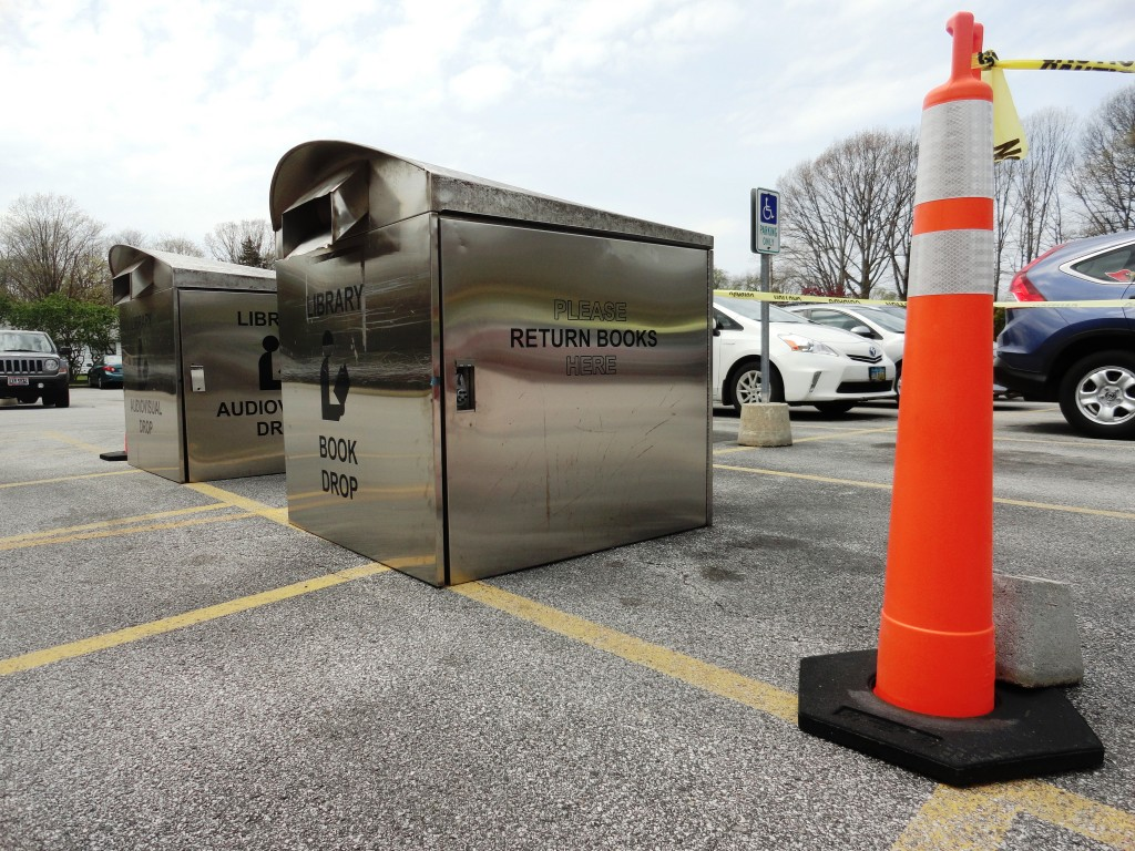 The outdoor book and audiovisual drop-off boxes have moved but are still available during the construction.