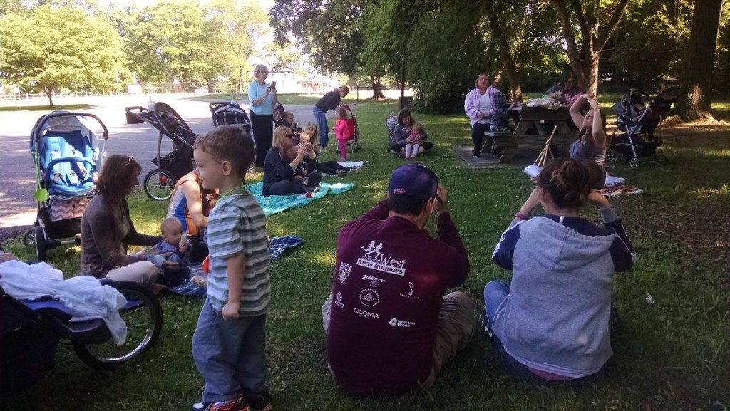 Join us for a walk to and story time in Eleanor Garfield Park on Thursday mornings this summer.