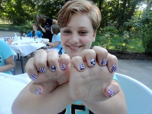 """Guess what the """"H"""" and """"P"""" on Amanda's nails stand for?"""