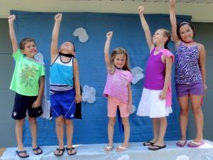 Kids take flight during Marvelous Monday at our Read House.