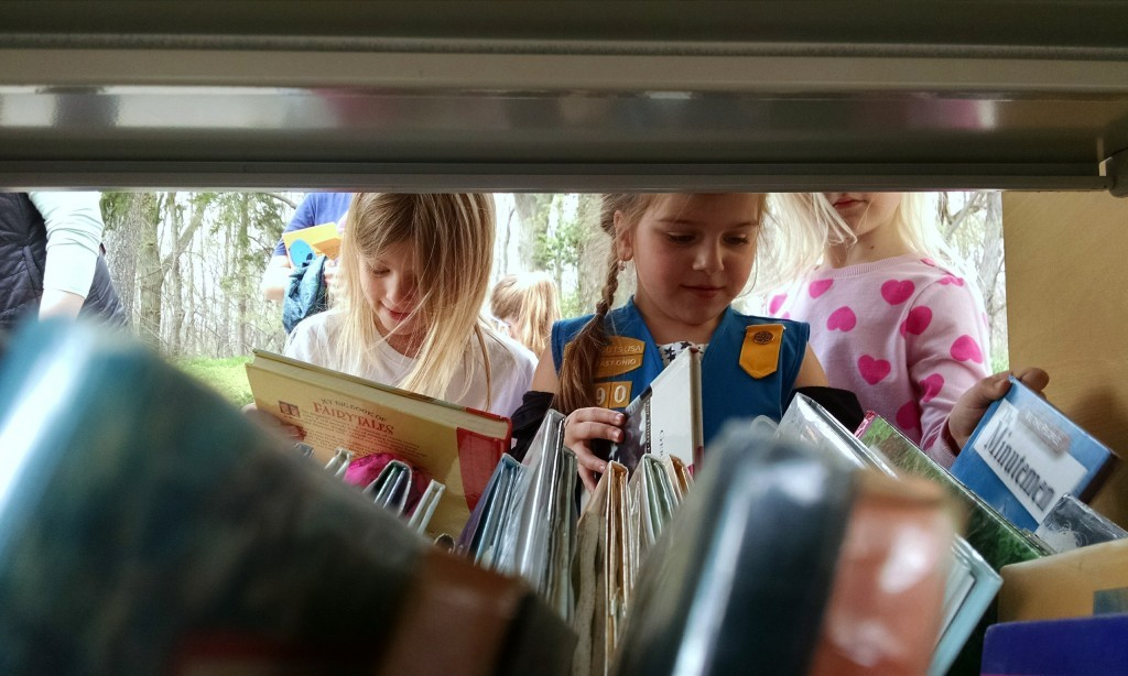 Browse our Pop-Up Library during Mentor-on-the-Lake's Fall Festival this Saturday.