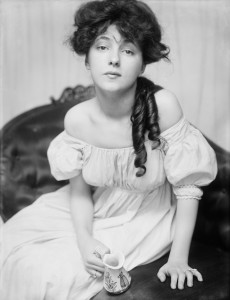 Evelyn Nesbit was the world's first supermodel and a point in a fatal love triangle.