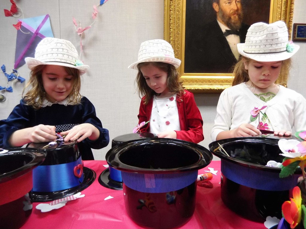 Nina, Mary and Rosemary already had their fancy hats ready but still decorated lids at our Poppins party.