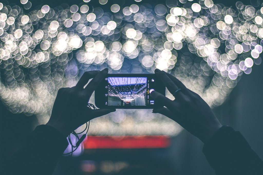 Cell-phone photographers