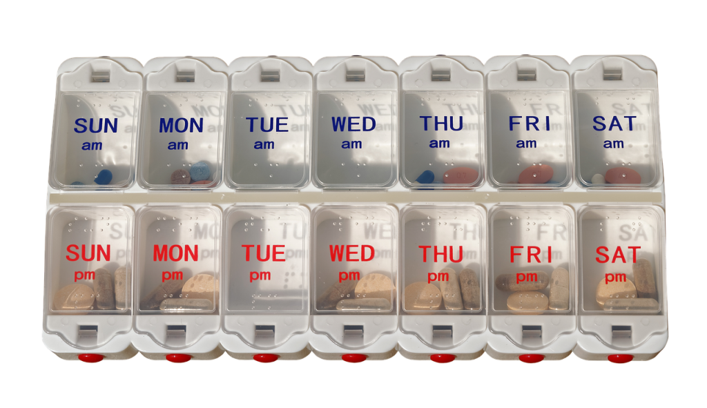 Get a free pill dispenser and learn best practices for staying healthy this winter at
