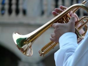 trumpet-player-8455_1280