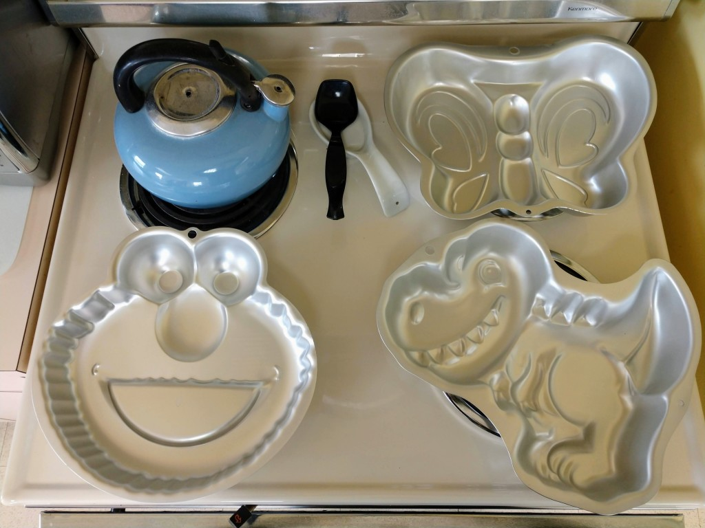 You can now borrow cake pans from Mentor Public Library.